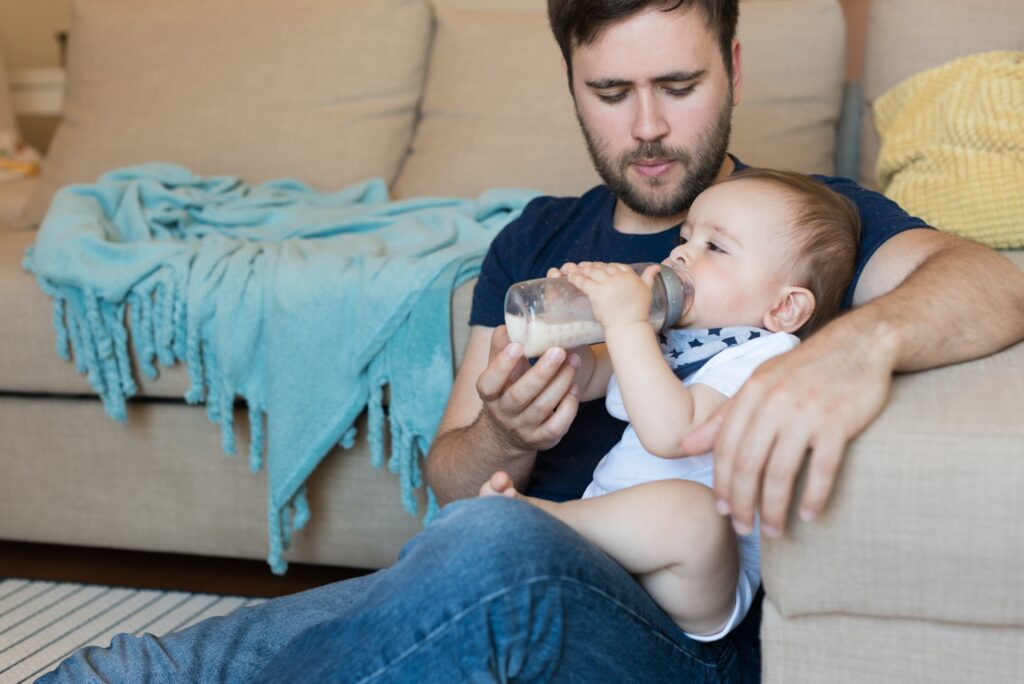 Tips for First Time Dads Include putting forth visible effort that mom can see... if she's awake.